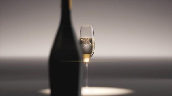 champagne_02.mp4_snapshot_00.24_2021.05.09_21.44.53